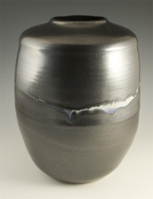 Melancon white line black vase